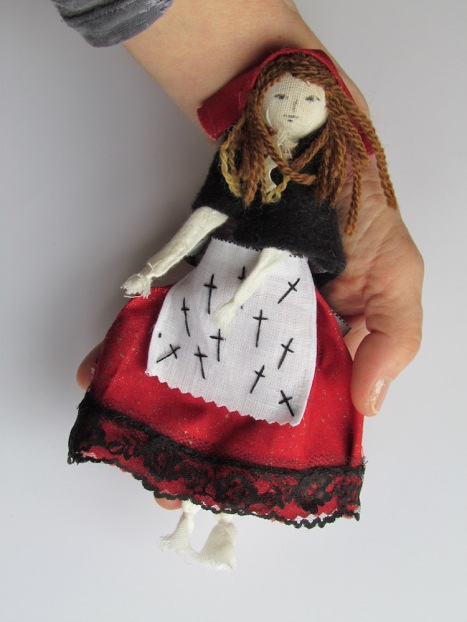 Maria Chiara Doll for Mi Guernica April 2020 in hand against white low res